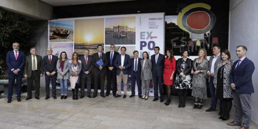 INAUGURACION DE LA XLIII EDICION DE EXPOPLAYA. Los empresarios de playa, reconocidos por ser el motor de la economía La Junta de Andalucía se comprometió durante la celebración de Expoplaya, en Torremolinos, a acelerar la renovación de concesiones a